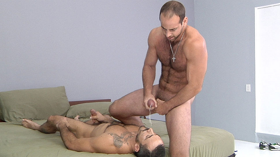 What really turns on a gay while making out???